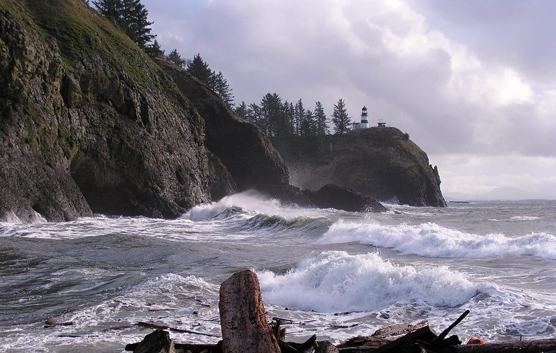 Watch the waves at Waikiki Beach, Cape Disappointment State Park