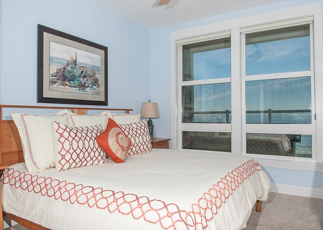 Several floor plans have oceanfront master bedrooms - Book Now at www.KeystoneVacationsOregon.com