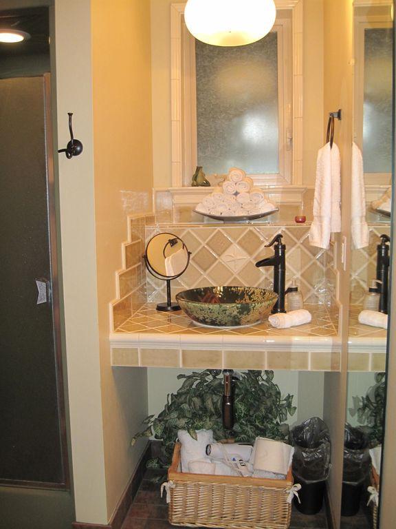 Downstairs bath/shower