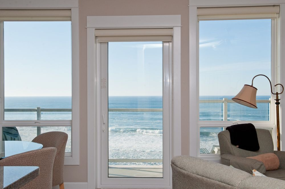 Absolute oceanfront views from each condo - Book Now at www.KeystoneVacationsOregon.com
