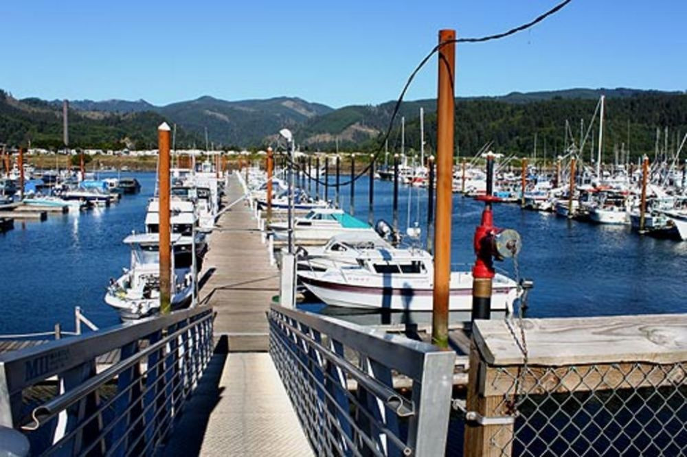 Garibaldi Marina (1.5 miles south of the home) Fishing, Crabbing, Whale watching
