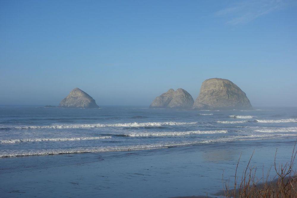 3 Arch Rocks in nearby Oceanside