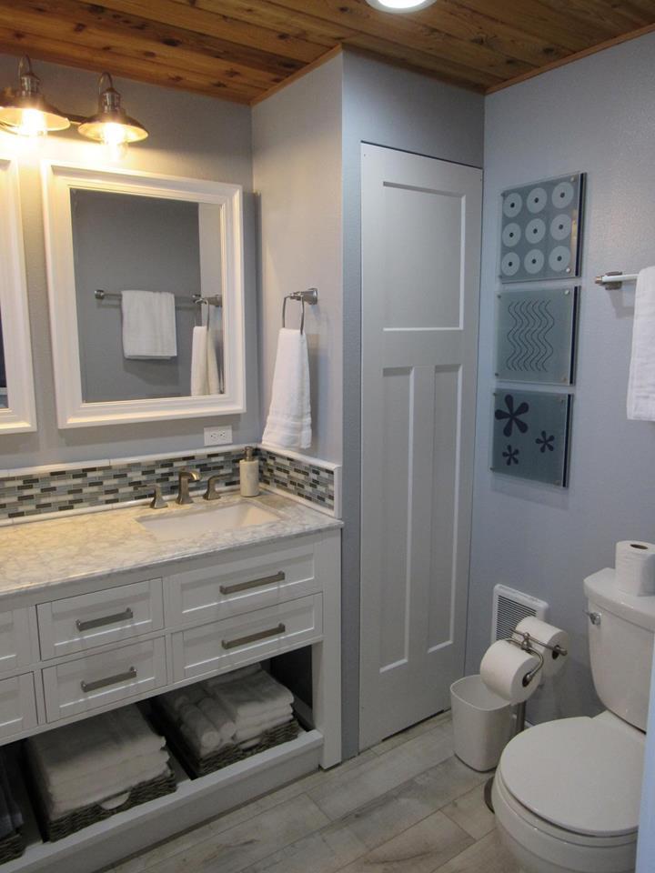 Dual-sink vanity