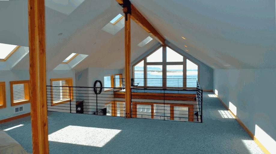 900 sq ft Loft